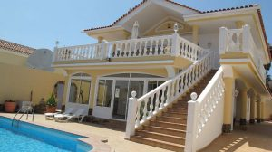 callao salvaje holiday villas