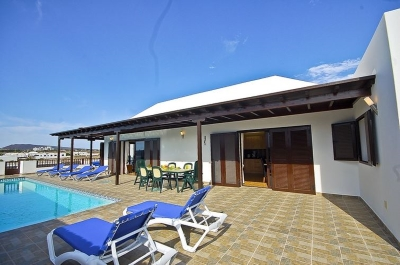 villa to rent in playa blanca lanzarote