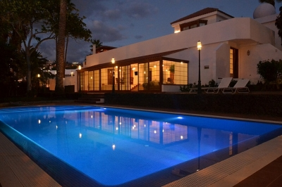 villa for rent in playa de las americas