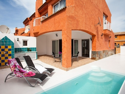 holiday villa to let in corralejo