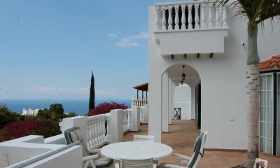 villa to rent in san eugenio with air conditioning