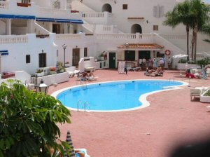 studios to rent in los cristianos